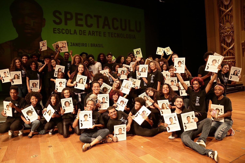 84d8ebf589c Formaturas 2017 - Spectaculu - Escola de Arte e Tecnologia